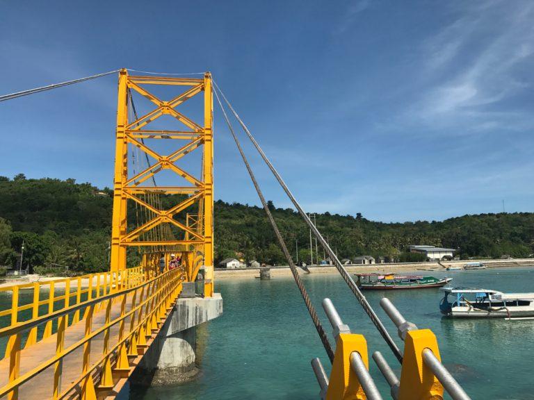 Cross that Bridge: Nusa Lembongan