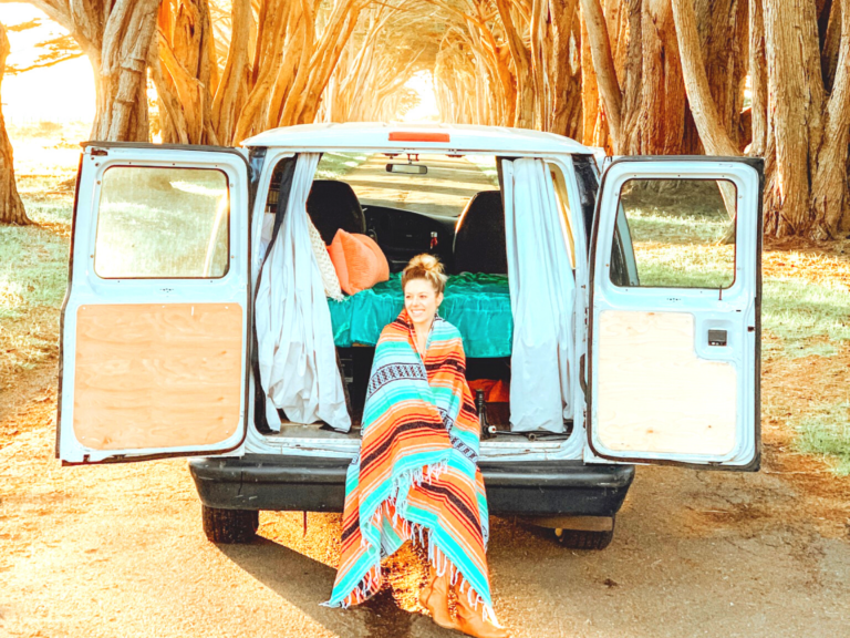 TIPS FOR CAR CAMPING: COMPLETE GUIDE TO SLEEPING IN YOUR CAR