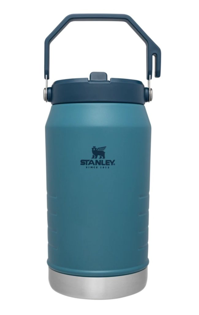 Stanley Waterbottle is a great way to be a more water conscious traveler